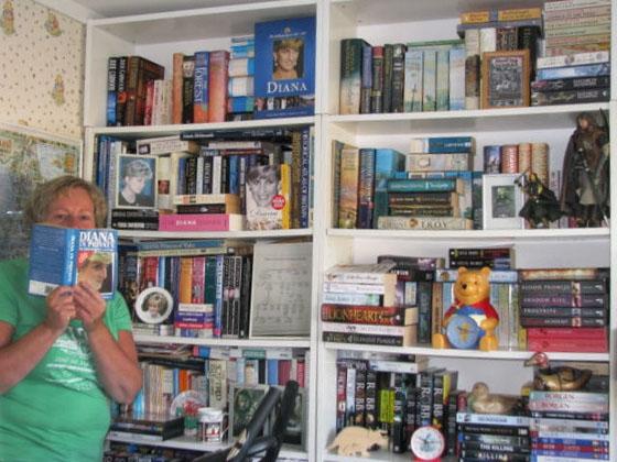 Woonkamer Met Bibliotheek : De mini bibliotheek van hilma chicklit